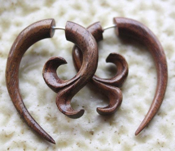 Fake Gauge Earrings - YASMINE - Hand Carved Natural Brown Sono Wood