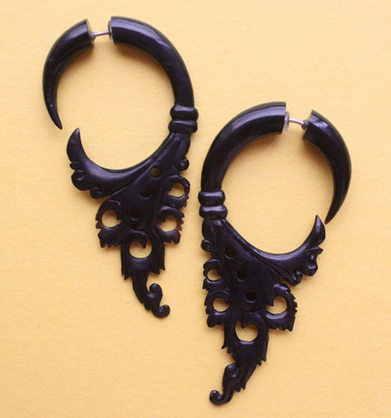 SIAM Fake Gauge Earrings - Natural Black Horn - Hand Carved Tribal Earrings