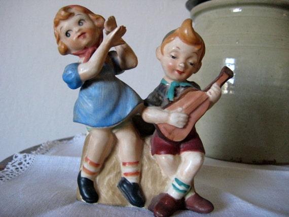 Vintage Figurines 1956 - Wall Pocket -