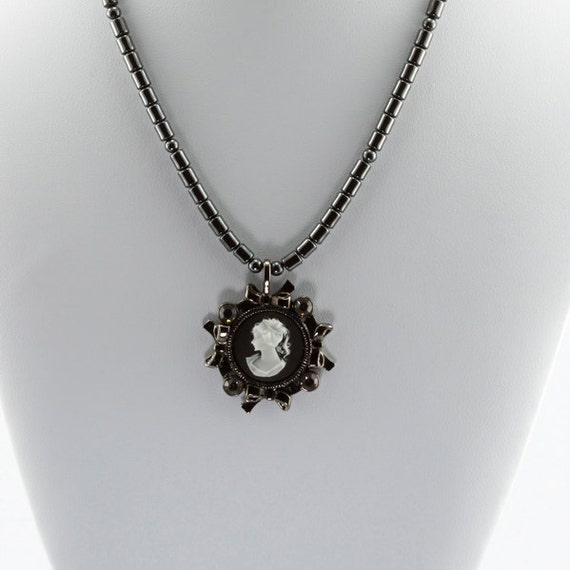 Black and White Cameo Pendant Necklace