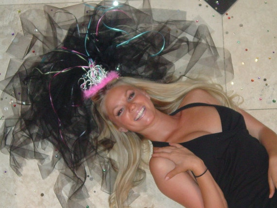 """COSTUMES, PARTY FAVORS, Bachelorette Favors, """"Vegas Veils"""" Birthday Party Veils from VegasVeils. Ready to Ship."""