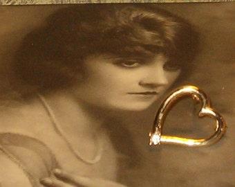 "Heart Pendant w Rhinestone, 1""H w Loop, Gold Tone"