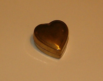 """Vintage Brass Trinket Box or Use for Pills, Candy, Breath Mints, Jewelry, 1 3/4""""L, Old India, Hinged Lid"""