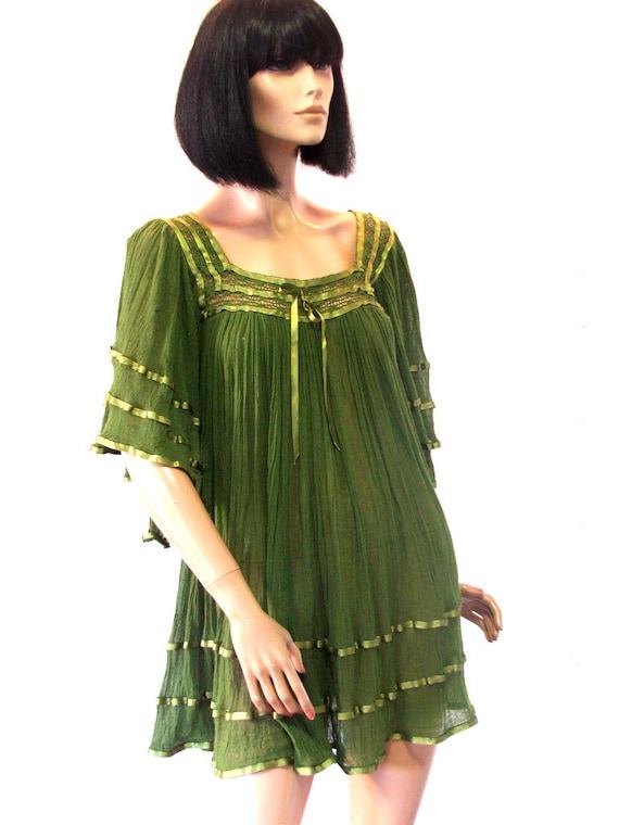 Vtg 70s style cotton gauze angel sleeve mini dress. Rare colour. Satin ribbon trim. XS-Medium