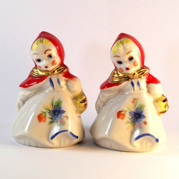 Vintage Hull Salt And Pepper Shakers Little Red Riding Hood