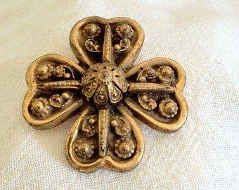 Antique Victorian Etruscan Gold Plate Fur Clip/Brooch/Pendant - FREE U.S. SHIPPING