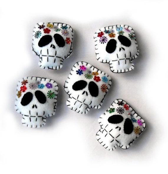 Día de los Muertos Skull Felt Plushies ©