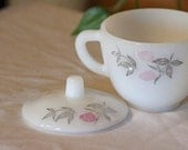Vintage Federal Glass -  Sugar Bowl With Lid And Creamer Set - Set Of 2