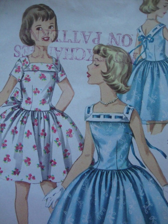 pretty vintage 1960s girls party DRESS simplicity sewing pattern SIZE 8 square neck FULL skirt retro v back uncut