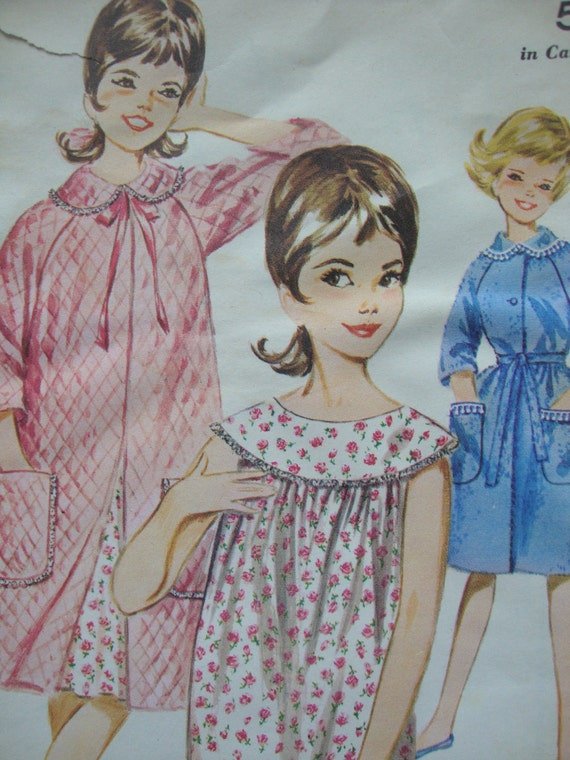 sweet vintage 1960s girls ROBE shift nightgown butterick sewing pattern SIZE 10 raglan sleeves round yoke RETRO sleepwear