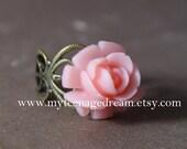 vintage style pink resin rose flower adjustable ring