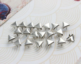 300Pcs 5mm Silver Triangle Studs Small Metal Studs (SFT05)