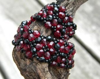 Vampire ... beadwoven bracelet transylvania blood chevron chain dark masquerade garnet ruby red crimson victorian gothic ebony renaissance