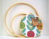 Cork board embroidery hoop dahlia flowers fabric 8 inch round