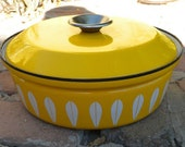 Canary Yellow Cathrineholm Enamelware Dutch Oven - Lotus Pattern