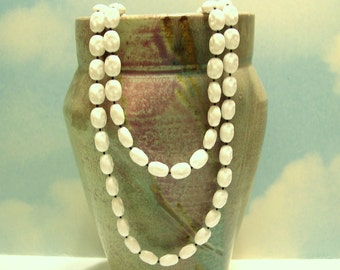 """Vintage Sarah Coventry Necklace White Plastic Bead Long  51"""" 60's (item 102)"""