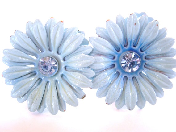 Vintage Enameled Daisy Rhinestone Clip Earrings 50's Baby Blue (item 97)