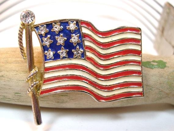 Vintage Enameled and Rhinestone American Flag Brooch 70's (12)