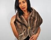 Vintage 1950s Faux Fur Wrap / Pockets / Shawl