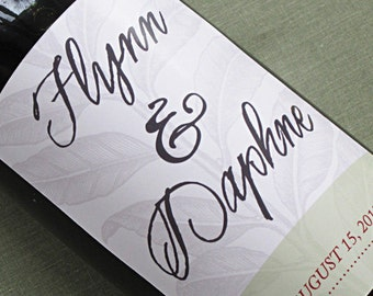 Personalized wine label with botanical motif