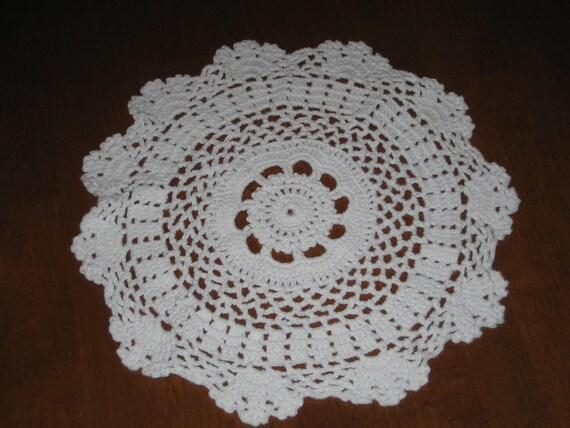 Crochet, white doily