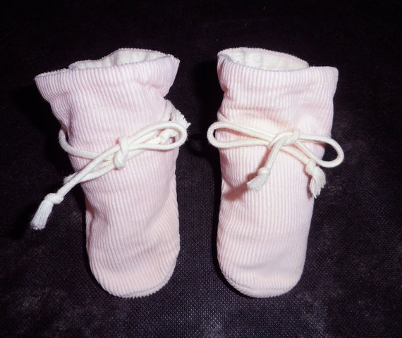 1960s Baby Booties - Pink TV Booties by Patee