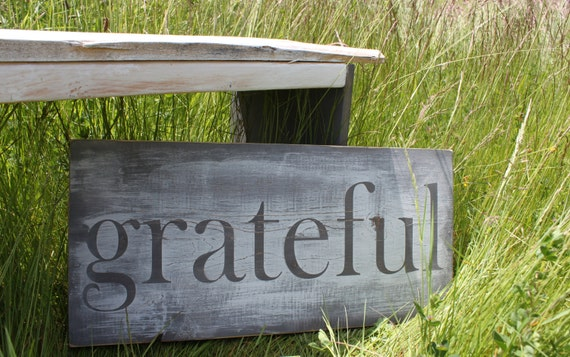 Distressed Aged Pine Wood Wall Art GRATEFUL Sign