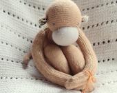 upcycled wool monkey - singe de laine récupérée