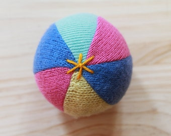 upcycled wool ball - balle de laine récupérée