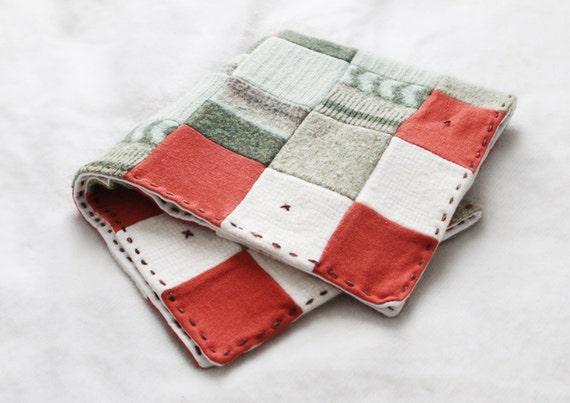 SALE upcycled wool baby blanket -  VENTE couverture de laine pour bébé