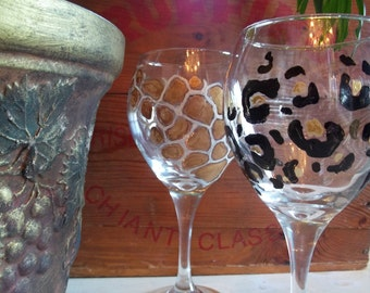 4 ANIMAL PRINT Wine Glasses handpainted zebra leopard giraffe tiger