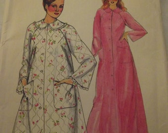Vintage Sewing Pattern, Robe Pattern, 60s Robe in 2 Lengths, Butterick 4025, Size 18 Bust 40, Long Robe pattern, Short Robe