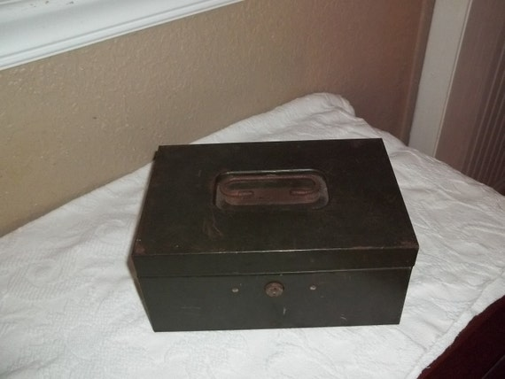 Vintage Chippy Metal Lock Box Army Green Rustic Wedding Card Box