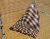 Brown and Cream Houndstooth stand small