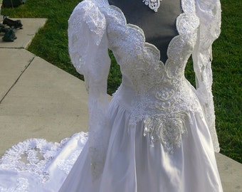 sold     Princess Di White  Bridal Wedding dress with Pearls and Long Train