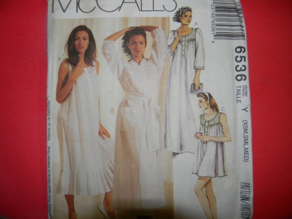 Uncut McCall's Pattern 6536 Size XS-M Nightgown and Robe