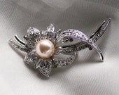 Bridal brooch, Wedding Pin, Hair Comb, Ivory Pearl and Rhinestones in Silver