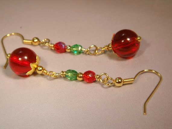 Christmas Color Beaded Dangle Pierced Earrings. Gold, Red, Green, and Crystal. CKDesigns.us