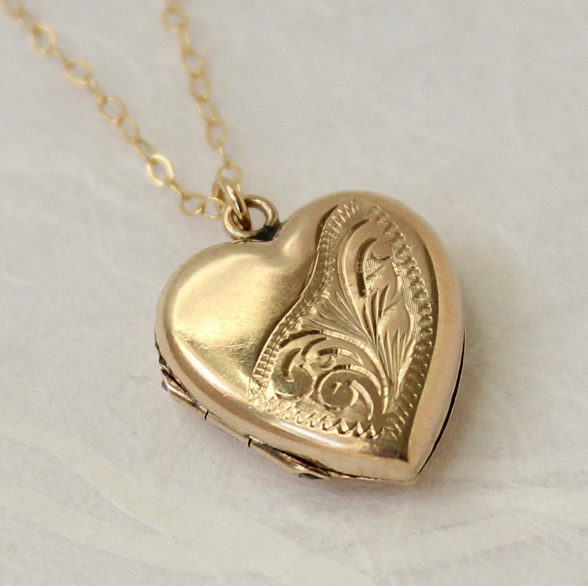 gold locket necklace locket vintage locket 9ct