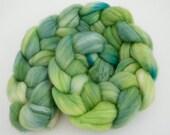 Green Superwash Roving- Spinning Fiber- Superwash Merino Nylon- Sock Fiber -Fresh 100g 1003