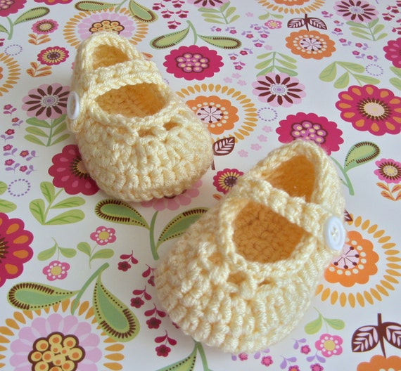 Yellow Crochet Booties, Crochet Baby Shoes, Baby Mary Jane Shoes, Soft Sole Baby Shoes, Baby Girl Booties, 0 to 3 Months