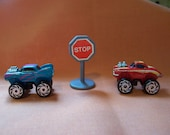 Road Champs Micro Machines - 2 Vehicles and 1 Road Sign