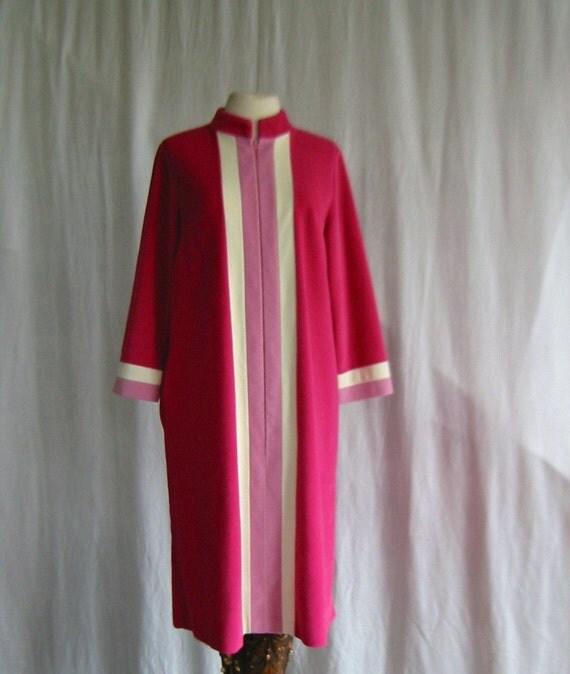 40 Off On Sale Vintage Vanity Fair Robe By Drefindsvintage