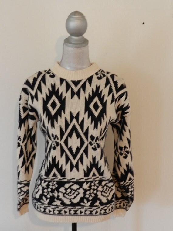 SWEATER SALE Vintage 80s Southwesterrn Ethnic Print Sweater - Size Medium