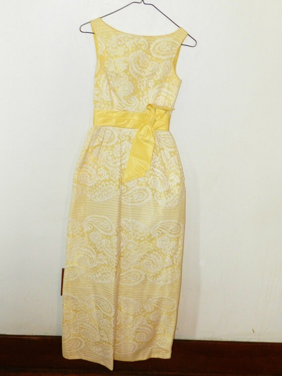 SALE Vintage 1950s Pale Yellow and White Lace Dress Bridesmaid / Flower Girl / Easter Dress - Size XS Small