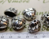 4 pcs per pack 18x14mm Large Flat Oval Cone Antique Silver Lead Free Pewter