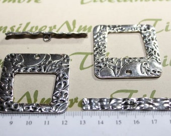 2 pairs per pack 40mm Antique Silver Finish Rectangular Hammered Toggle Lead Free Pewter.