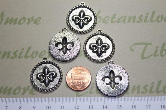 6 pcs per pack 24mm Fleur de Lis Coin Charm Antique Silver Lead free Pewter