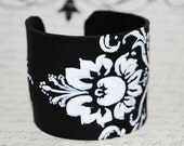 Flower.  Sunflower.  Black & White Cuff