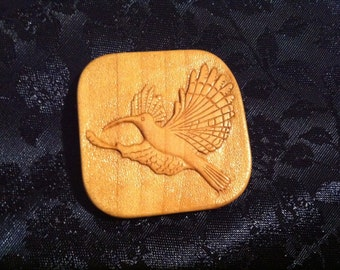 A Decorative Button-hand carved wooden button with hoopoe